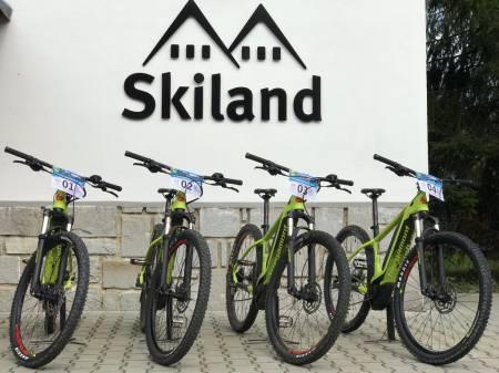 Cyklopoint Ostružná, Hotel Skiland