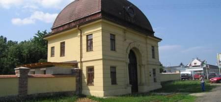 Obřadní síň a židovský hřbitov v Šumperku
