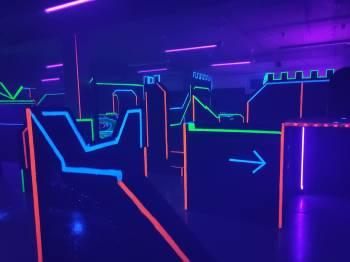 Laser arena představuje adrenalin s prvky počítačové hry